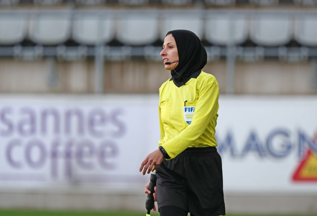 Paying Attention When Refereeing