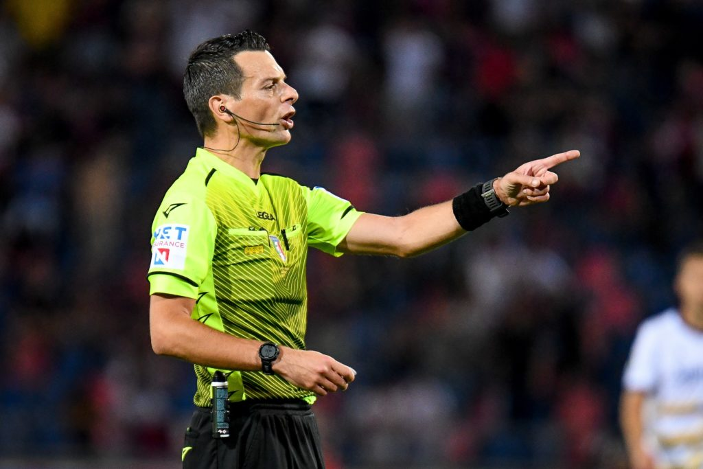 Refereeing - Why Too Much Information Can Be Counterproductive